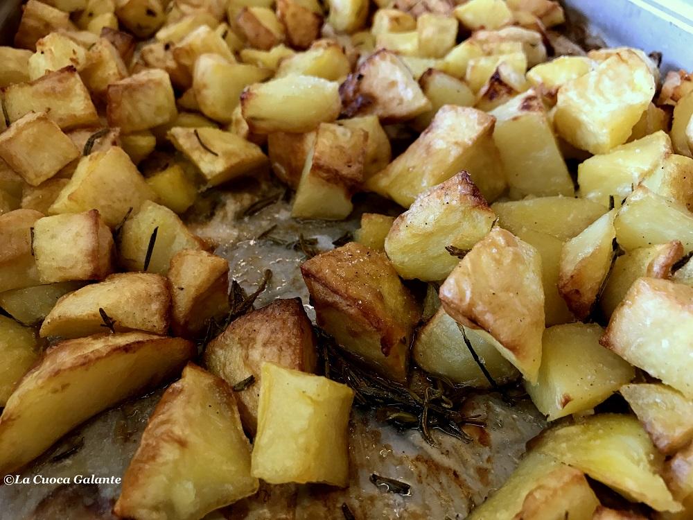 Patate al forno croccanti e perfette la cuoca galante for Quando raccogliere le patate