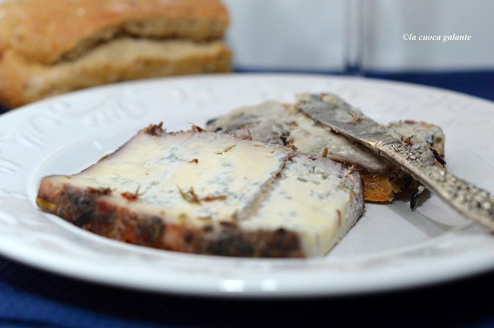 spicchio-di-formaggio-blu-di-bagnoli
