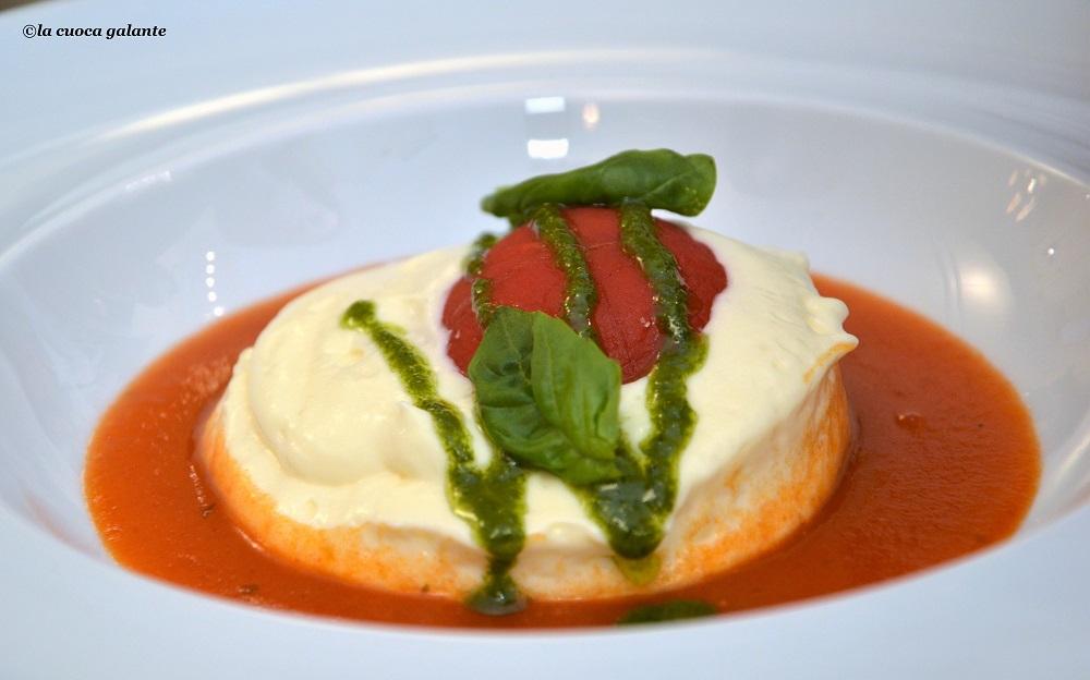 Sicilia Continente Gastronomico - uovo al pomodoro
