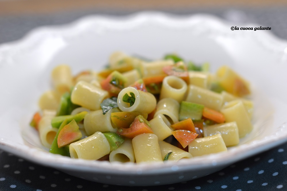 pasta alla crudaiola - pomodoro