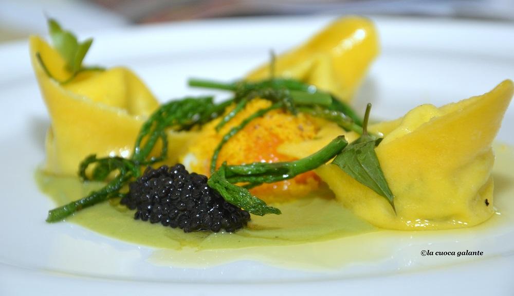 Quattro asparagi per un raviolo dello chef Giuseppe Raciti