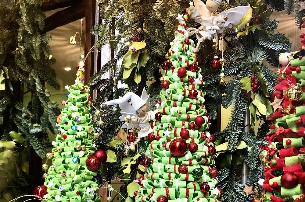 albero di natale-decorazioni-luci natalizie